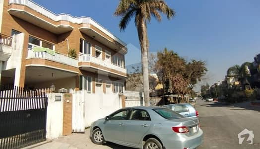 ائیرپورٹ ہاؤسنگ سوسائٹی - سیکٹر 1 ائیرپورٹ ہاؤسنگ سوسائٹی راولپنڈی میں 3 کمروں کا 10 مرلہ زیریں پورشن 40 ہزار میں کرایہ پر دستیاب ہے۔
