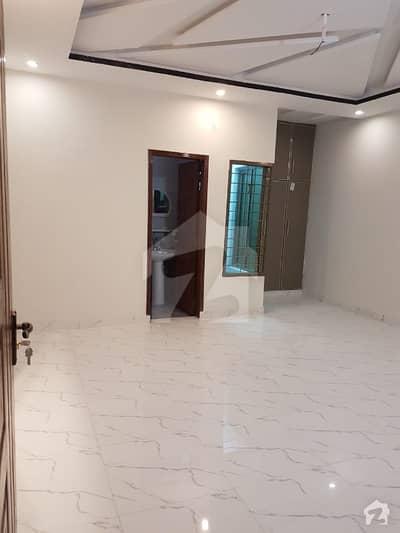 سمن آباد لاہور میں 3 کمروں کا 3 مرلہ مکان 36 ہزار میں کرایہ پر دستیاب ہے۔