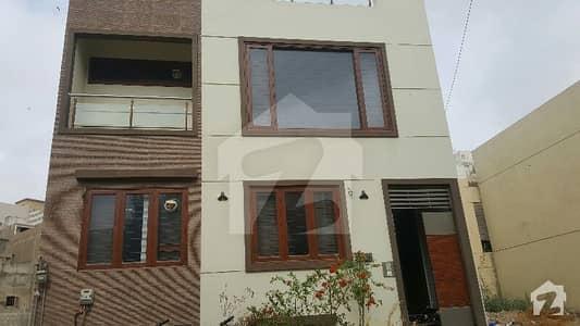 ڈی ایچ اے فیز 7 ایکسٹینشن ڈی ایچ اے ڈیفینس کراچی میں 3 کمروں کا 4 مرلہ مکان 1.3 لاکھ میں کرایہ پر دستیاب ہے۔
