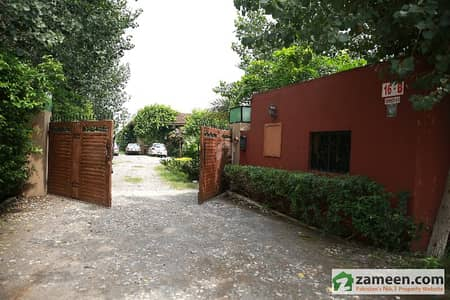 Beautiful 5000 Square Feet Farm House Available For Rent