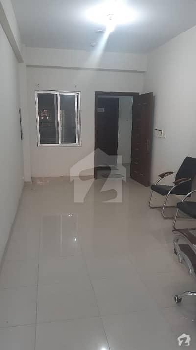 ایف ۔ 10 مرکز ایف ۔ 10 اسلام آباد میں 1 کمرے کا 1 مرلہ دفتر 82 لاکھ میں برائے فروخت۔