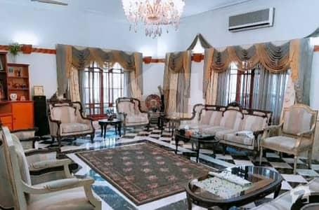 گلشنِ اقبال - بلاک 8 گلشنِ اقبال گلشنِ اقبال ٹاؤن کراچی میں 7 کمروں کا 2 کنال مکان 21 کروڑ میں برائے فروخت۔