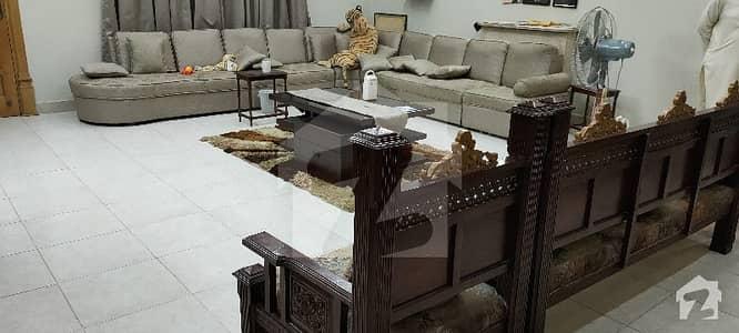 ورسک روڈ پشاور میں 9 کمروں کا 1.1 کنال مکان 5.2 کروڑ میں برائے فروخت۔