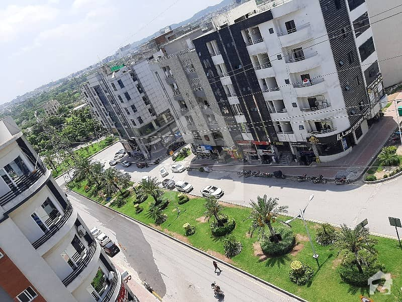 One Bed Corner Big Size Apartment For Sale In Bahria Town Phase 4