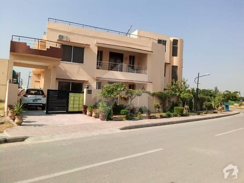 ڈی ایچ اے فیز 1 - سیکٹر ایف ڈی ایچ اے ڈیفینس فیز 1 ڈی ایچ اے ڈیفینس اسلام آباد میں 6 کمروں کا 1.2 کنال مکان 5.75 کروڑ میں برائے فروخت۔