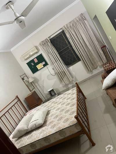 جی ۔ 9 اسلام آباد میں 6 کمروں کا 14 مرلہ مکان 2.6 لاکھ میں کرایہ پر دستیاب ہے۔
