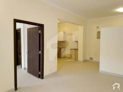 Apartments Used Flat Available For Sale.