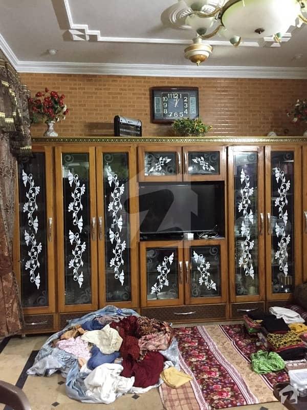 سبزہ زار سکیم لاہور میں 6 کمروں کا 5 مرلہ مکان 1.4 کروڑ میں برائے فروخت۔
