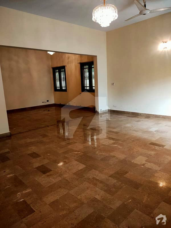 500 SQUARE YARDS WELL CONSTRUCTED OPTIONAL TWO (2) UNIT 6 BEDROOM WEST OPEN BUNGALOW LOCATED AT THE MOST PRIME LOCATION OF DHA PHASE 6 IS AVAILABLE FOR SALE