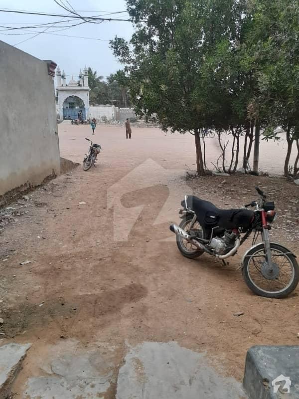 کورنگی کراچی میں 9 کمروں کا 8 مرلہ مکان 1.5 کروڑ میں برائے فروخت۔