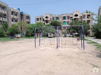 آئی ۔ 11 اسلام آباد میں 2 کمروں کا 4 مرلہ فلیٹ 54 لاکھ میں برائے فروخت۔