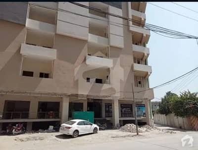 یونیورسٹی ٹاؤن پشاور میں 2 کمروں کا 5 مرلہ فلیٹ 80 لاکھ میں برائے فروخت۔