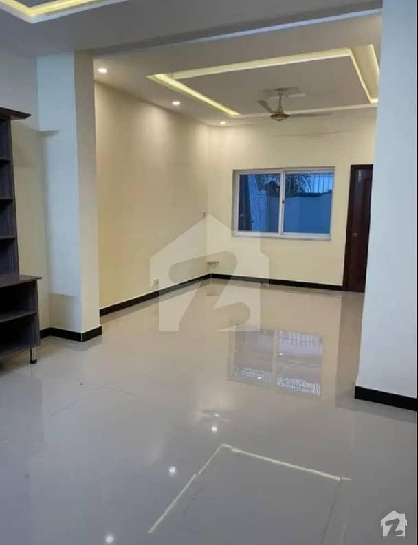 ای ۔ 11/4 ای ۔ 11 اسلام آباد میں 6 کمروں کا 10 مرلہ مکان 3.7 کروڑ میں برائے فروخت۔