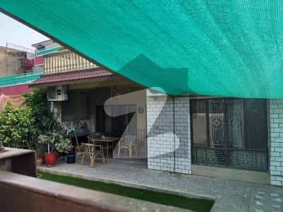 جی ۔ 10 اسلام آباد میں 3 کمروں کا 14 مرلہ مکان 5.5 کروڑ میں برائے فروخت۔