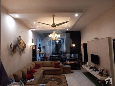 پی جی ای سی ایچ ایس فیز 1 - بلاک بی 1 پی جی ای سی ایچ ایس فیز 1 پنجاب گورنمنٹ ایمپلائیز سوسائٹی لاہور میں 4 کمروں کا 1 کنال مکان 3.5 کروڑ میں برائے فروخت۔