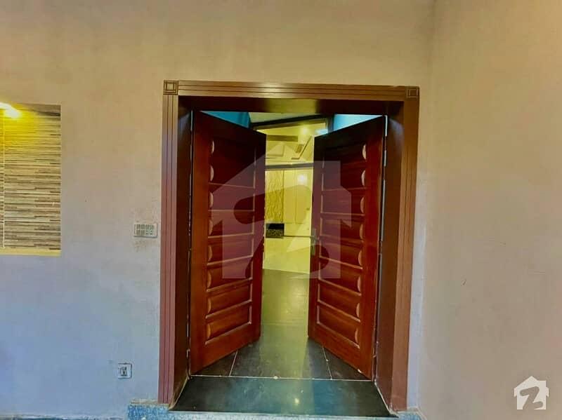 اسٹیٹ لائف فیز 1 - بلاک ای اسٹیٹ لائف ہاؤسنگ فیز 1 اسٹیٹ لائف ہاؤسنگ سوسائٹی لاہور میں 7 کمروں کا 1 کنال مکان 4.25 کروڑ میں برائے فروخت۔