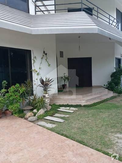ڈی ایچ اے فیز 7 ڈی ایچ اے کراچی میں 7 کمروں کا 2 کنال مکان 19.95 کروڑ میں برائے فروخت۔