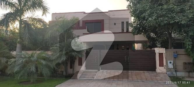 1 Kanal Single Storey House Is Available For Sale