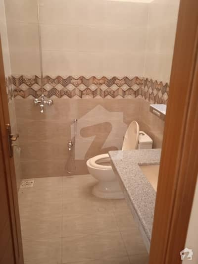 روز گارڈن بحریہ ٹاؤن لاہور میں 3 کمروں کا 5 مرلہ مکان 1.45 کروڑ میں برائے فروخت۔