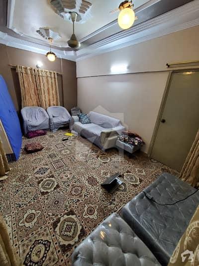 اندہ موڑ روڈ کراچی میں 5 کمروں کا 5 مرلہ فلیٹ 65 لاکھ میں برائے فروخت۔