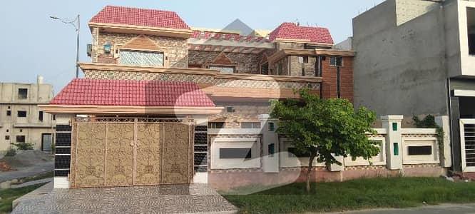 12 Marla House Hut Shaped for Sale at Jawad Club Chowk Palm Villas