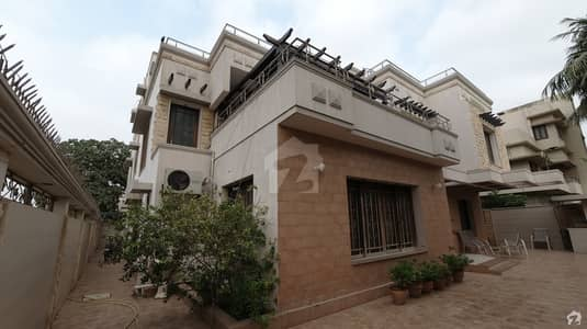 گلشنِ اقبال - بلاک 8 گلشنِ اقبال گلشنِ اقبال ٹاؤن کراچی میں 9 کمروں کا 1.2 کنال مکان 18 کروڑ میں برائے فروخت۔