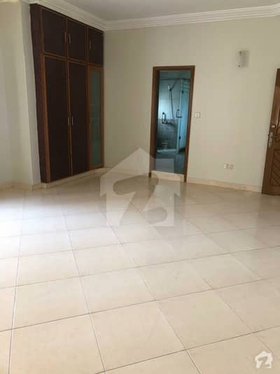 Unoccupied House Of 300 Square Yards Is Available For Rent In DHA Phase 4