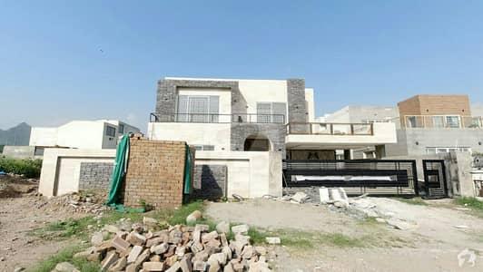 ای ۔ 11/2 ای ۔ 11 اسلام آباد میں 7 کمروں کا 1 کنال مکان 10.5 کروڑ میں برائے فروخت۔