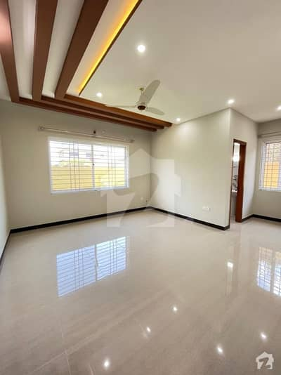 1 Kanal Double Storey Beautiful House For Urgent Sale