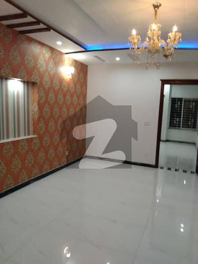 ملٹری اکاؤنٹس سوسائٹی ۔ بلاک بی ملٹری اکاؤنٹس ہاؤسنگ سوسائٹی لاہور میں 6 کمروں کا 8 مرلہ مکان 1.75 کروڑ میں برائے فروخت۔