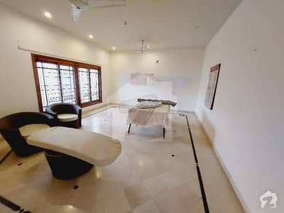 666-Sq Yards 3 Bedrooms Top Of The Exclusive Modern Independent Portion
