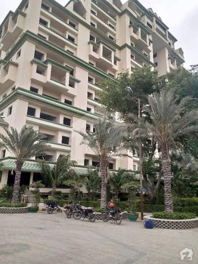 سُپر ہائی وے کراچی میں 3 کمروں کا 8 مرلہ فلیٹ 1.3 کروڑ میں برائے فروخت۔