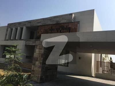 ایف ۔ 7 اسلام آباد میں 8 کمروں کا 4 کنال مکان 15 لاکھ میں کرایہ پر دستیاب ہے۔