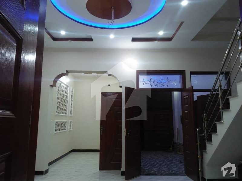 کینال بینک ہاؤسنگ سکیم لاہور میں 3 کمروں کا 4 مرلہ مکان 1.08 کروڑ میں برائے فروخت۔