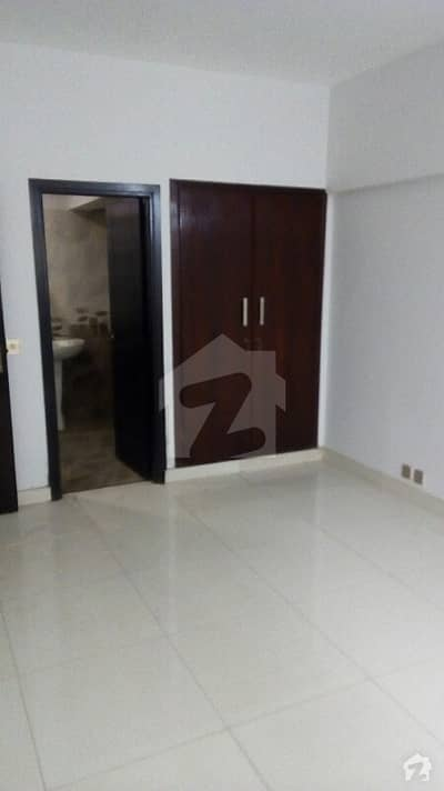 In Shaheed Millat Road Of Karachi, A 1750 Square Feet Flat Is Available