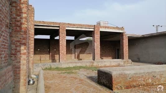 ایڈن لین ولاز 2 ایڈن لاہور میں 2 کمروں کا 1.25 کنال فارم ہاؤس 1.4 کروڑ میں برائے فروخت۔