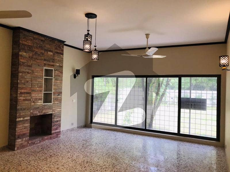 Luxury House Available For Rent In G-6