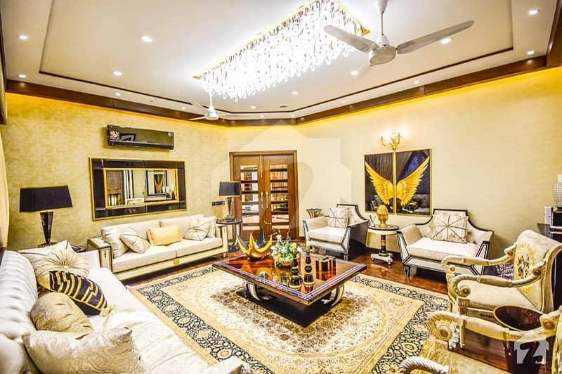 عبداللہ گارڈنز ایسٹ کینال روڈ کینال روڈ فیصل آباد میں 7 کمروں کا 2 کنال مکان 15 کروڑ میں برائے فروخت۔