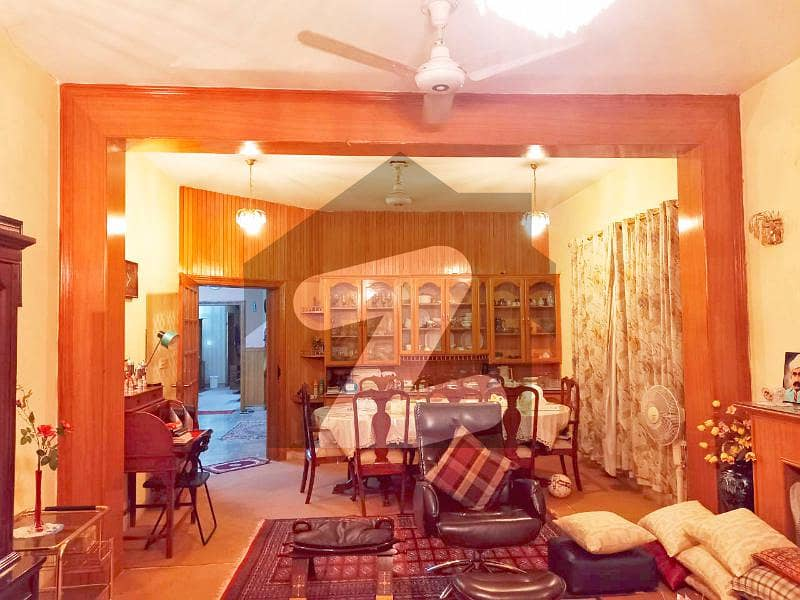 Spacious Best Location 1 Kanal House For Sale