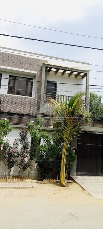 Town House For Sale 250 Sq Yd