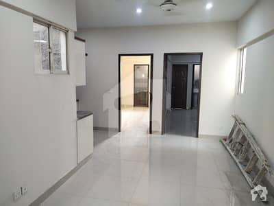 ڈی ایچ اے فیز 2 ایکسٹینشن ڈی ایچ اے ڈیفینس کراچی میں 3 کمروں کا 5 مرلہ فلیٹ 35 ہزار میں کرایہ پر دستیاب ہے۔