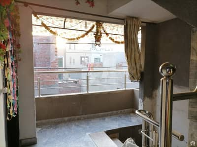 Spacious House Is Available For Rent In Ideal Location Of Gulshan-e-Ravi