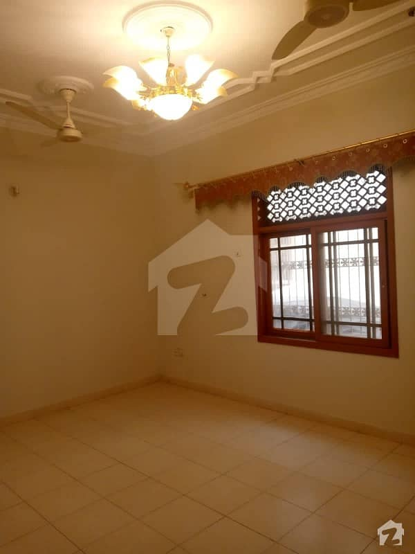 300 Sq Yd Portion Available For Rent In North Nazimabd