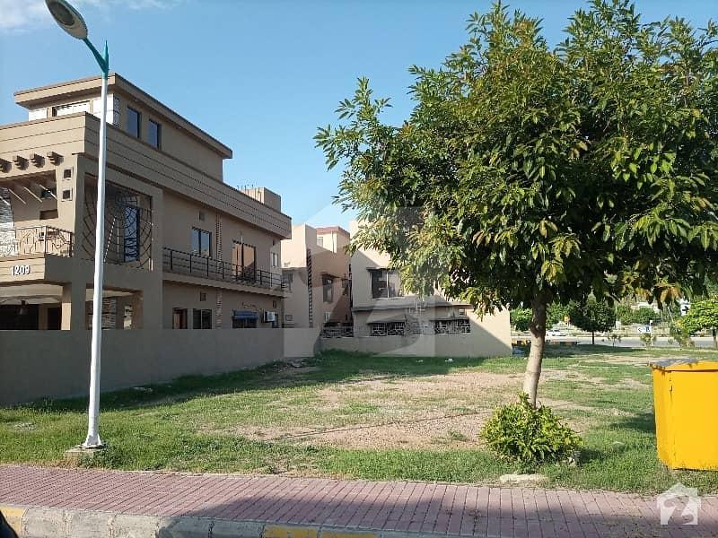 بحریہ ٹاؤن فیز 8 ۔ بلاک ای بحریہ ٹاؤن فیز 8 بحریہ ٹاؤن راولپنڈی راولپنڈی میں 10 مرلہ رہائشی پلاٹ 93 لاکھ میں برائے فروخت۔