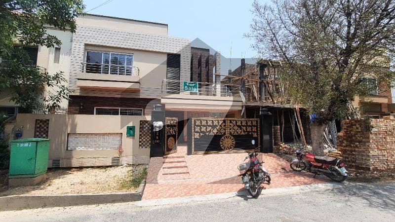 بحریہ ٹاؤن ۔ بلاک ڈی ڈی بحریہ ٹاؤن سیکٹرڈی بحریہ ٹاؤن لاہور میں 5 کمروں کا 10 مرلہ مکان 2.6 کروڑ میں برائے فروخت۔