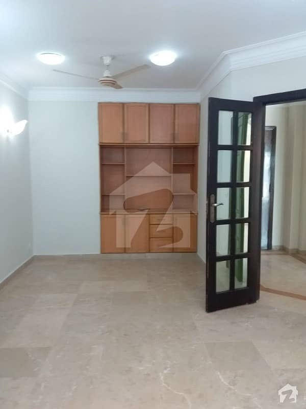 2400 Square Feet Flat In Central F-11 For Rent