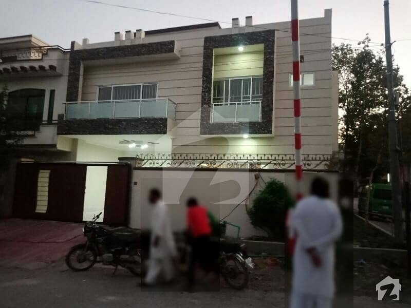 نیشنل پولیس فاؤنڈیشن او ۔ 9 اسلام آباد میں 5 کمروں کا 10 مرلہ مکان 2.3 کروڑ میں برائے فروخت۔