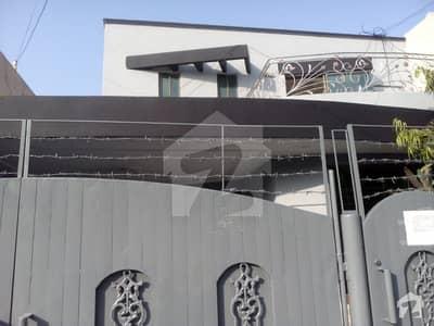 ڈی ایچ اے فیز 2 ڈیفنس (ڈی ایچ اے) لاہور میں 4 کمروں کا 10 مرلہ مکان 1.2 لاکھ میں کرایہ پر دستیاب ہے۔