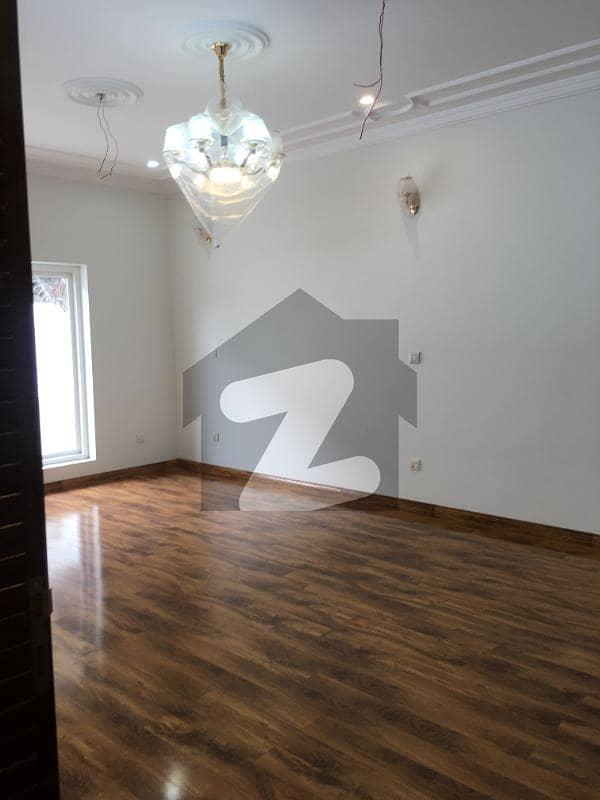 ای ۔ 11 اسلام آباد میں 10 کمروں کا 16 مرلہ مکان 10 کروڑ میں برائے فروخت۔