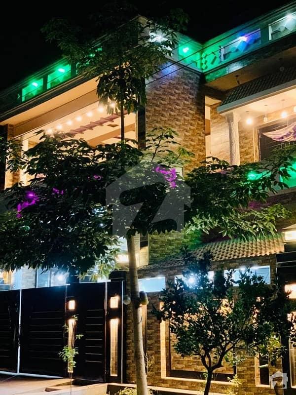 ایس اے گارڈنز فیز 2 ایس اے گارڈنز جی ٹی روڈ لاہور میں 6 کمروں کا 10 مرلہ مکان 2.6 کروڑ میں برائے فروخت۔